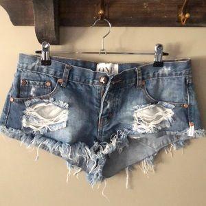 One teaspoon trash whore denim shorts 28